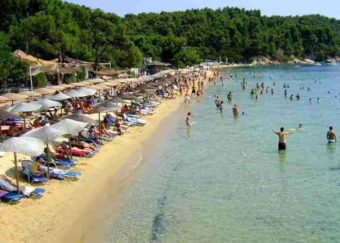 vromolimnos beach skiathos