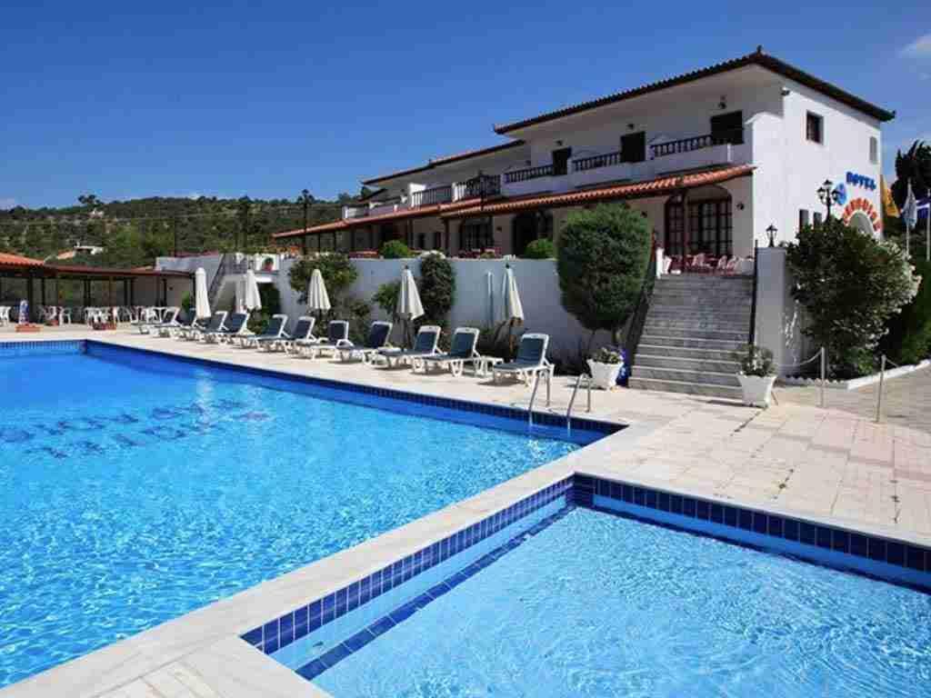 paradise hotel skiathos